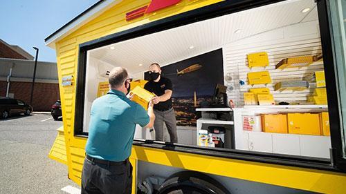 DHL lanza su primer tienda ambulante